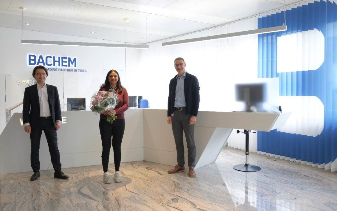 Bachem celebrates the hire of its 1000th employee at the Bubendorf site